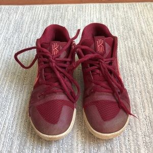 Nike Kyrie Basketball Sneakers Boys